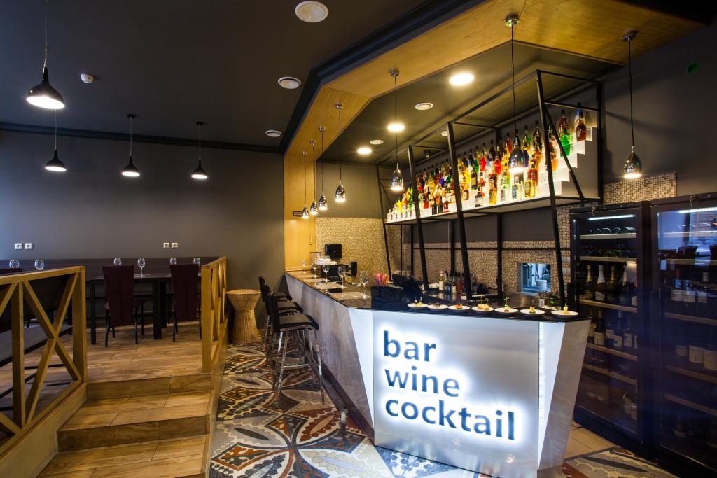 монополь бар, drinking culture