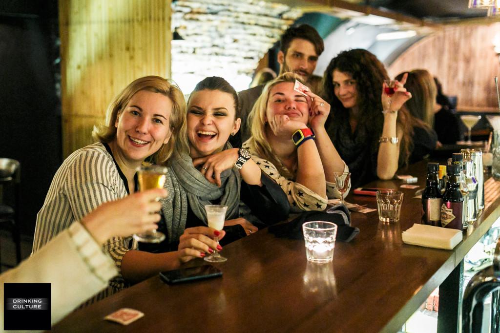 Y BAR, drinking culture