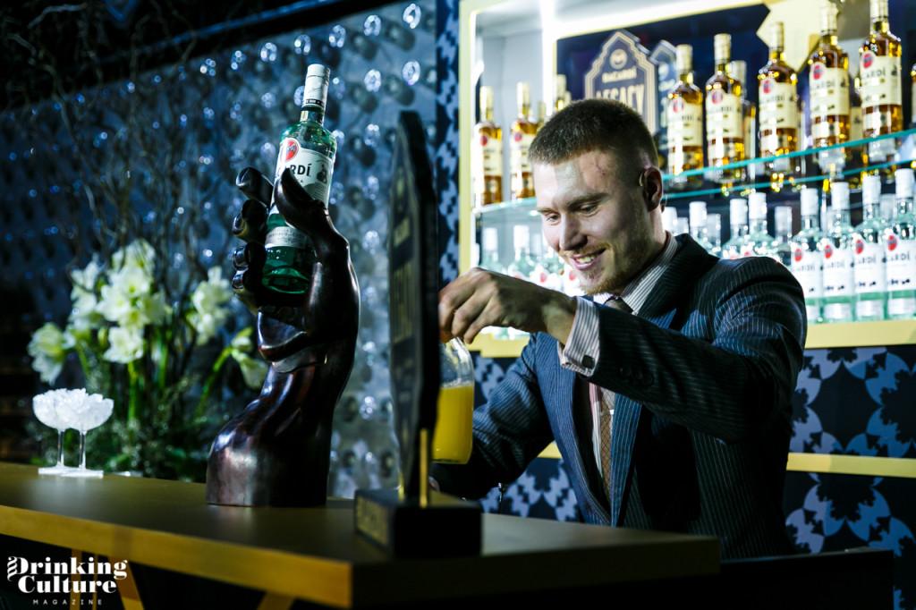 Егор Козловсакий бармен