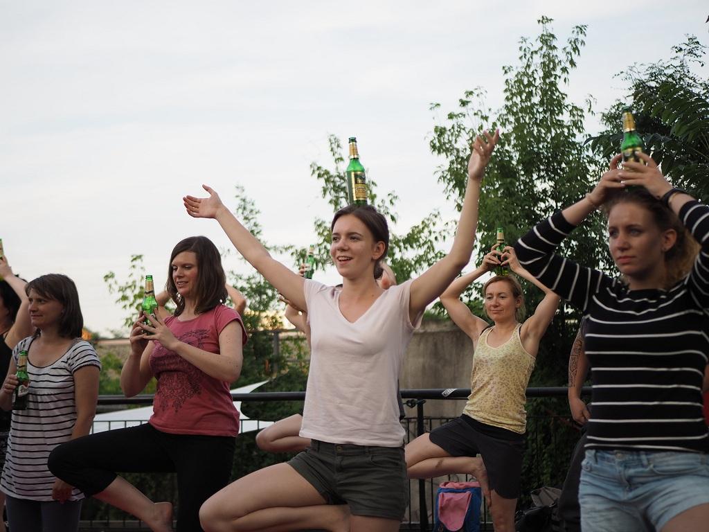 йога туры, пивная йога